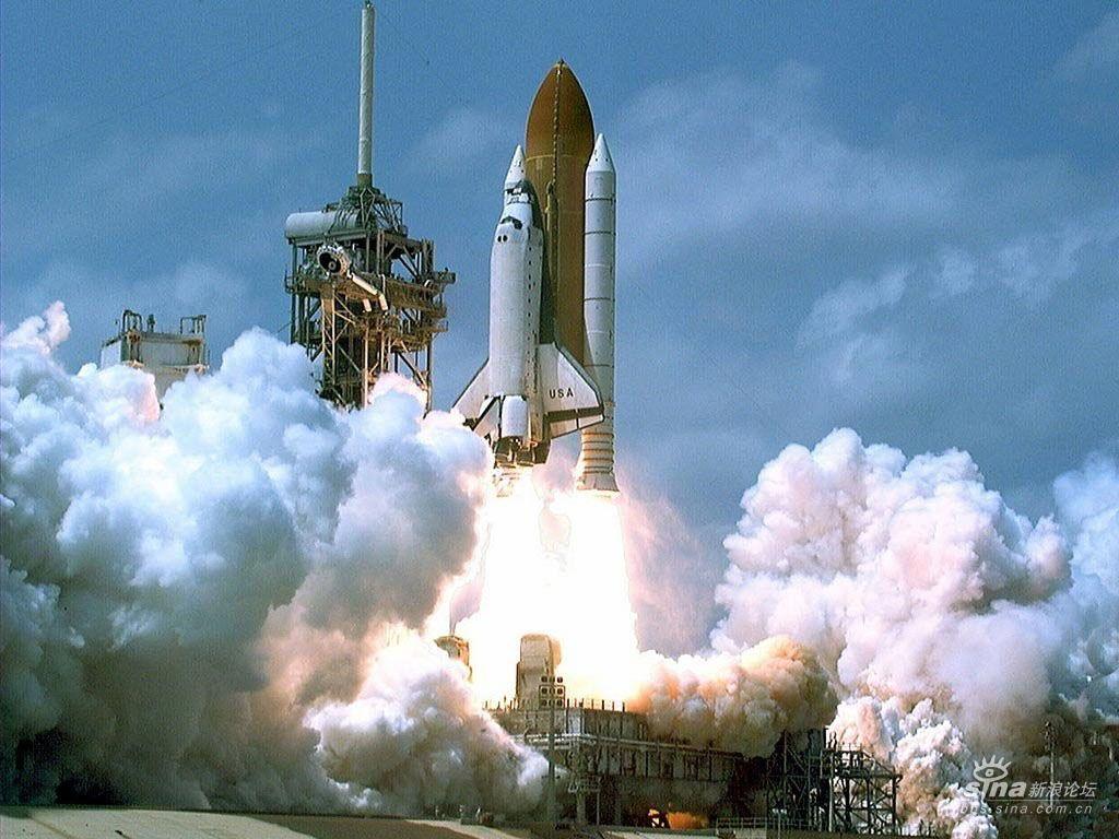 航天飞机发射过程中,当航天飞机进入轨道后