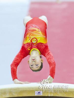 中国/中国女子体操几代人的梦今日得圆