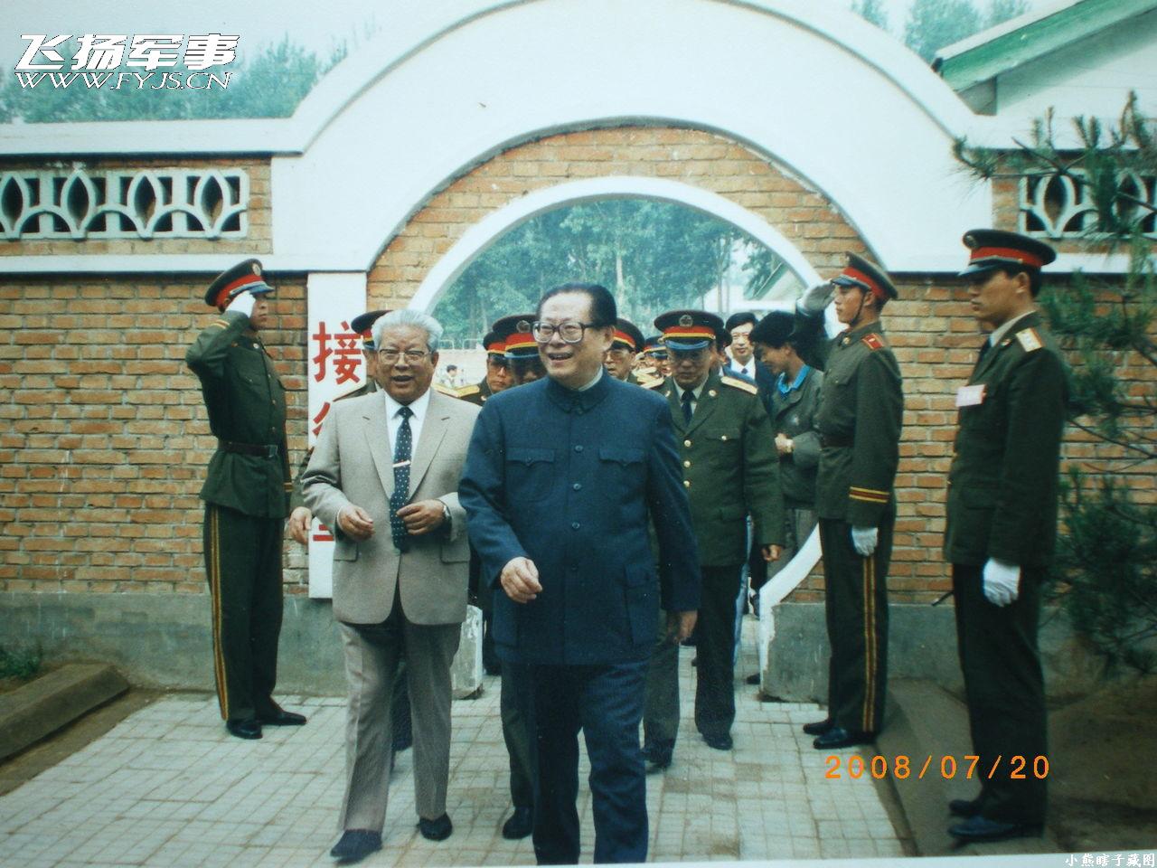 转贴:1999年国庆大阅兵及阅兵村珍贵图集!