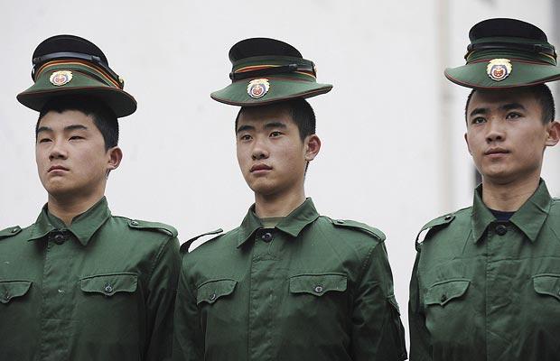 中国武警部队新兵训练那是相当滴严格图片