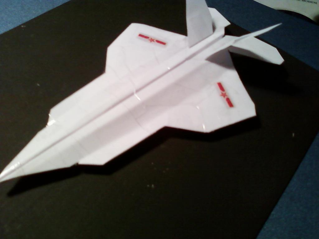 自己制作的纸飞机 四代机模型