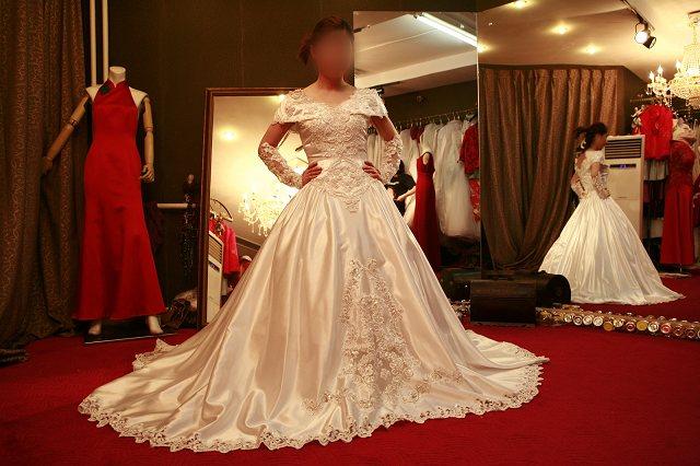 世界著名禮服、婚紗設計師