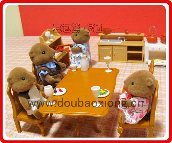 谢妈妈哦   全家人一起开心的吃饭啦~~~~   吃饭饭后,我们帮妈妈收拾