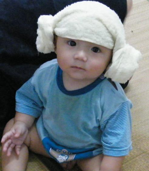 一个很可爱的小孩