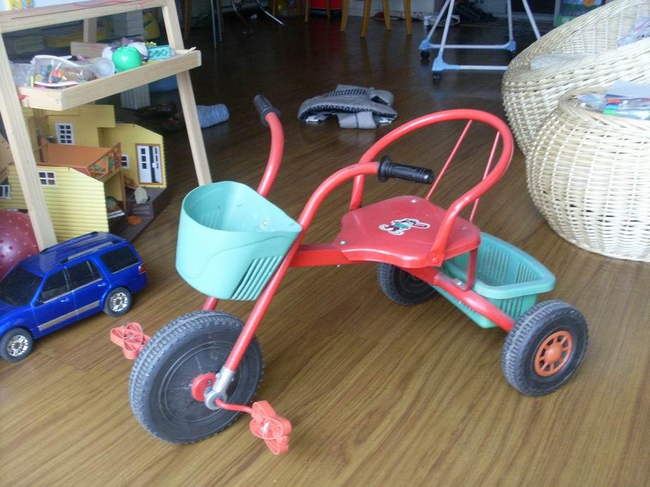 北京:转儿童餐椅,老式铁三轮车