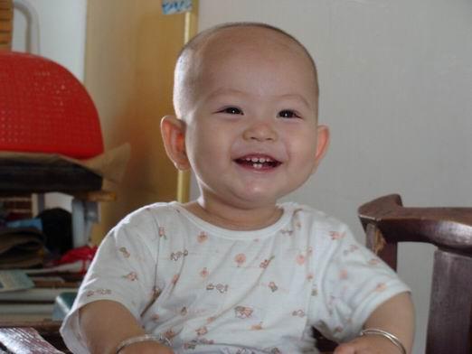 03 征集2010年世博宝宝笑脸(跟帖发照片)   我的宝贝加油!