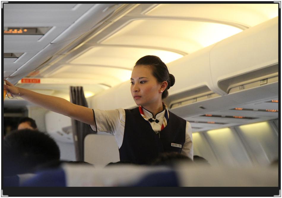 飞机上的乘务员-2_人像摄影