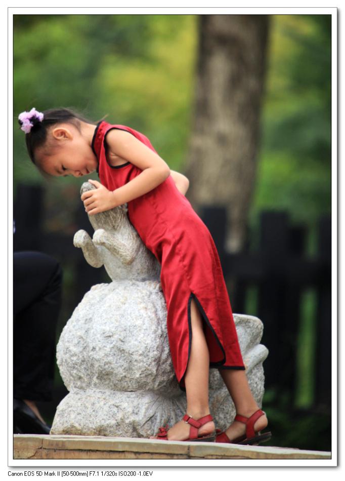 穿旗袍的小女孩_人像摄影